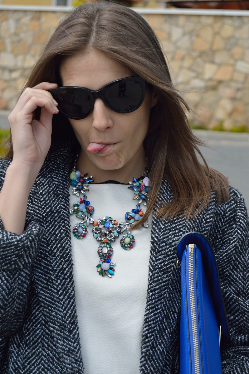 lara-vazquez-madlula-blog-fashion-trends-up-necklace
