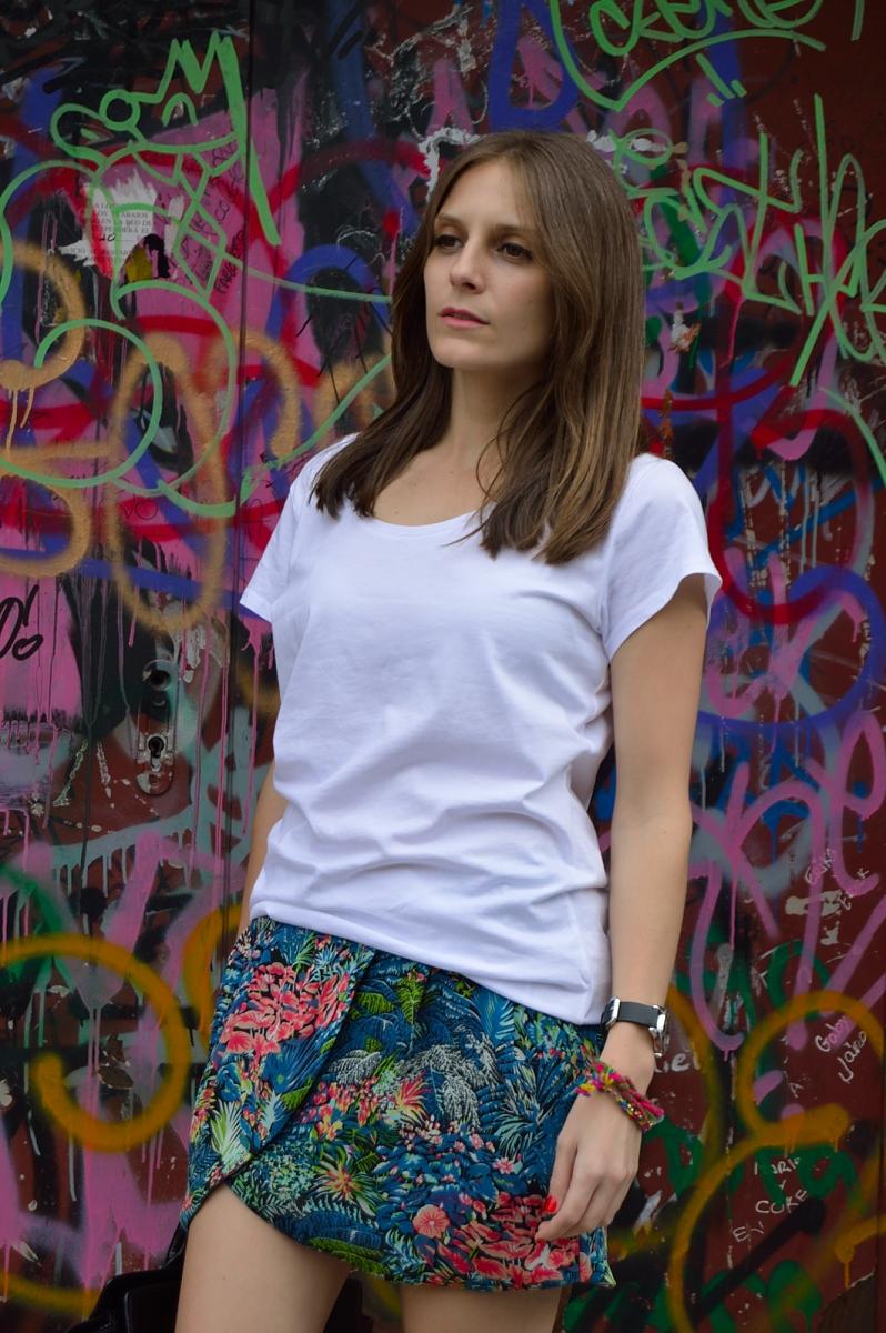 lara-vazquez-madlula-look-style-steetstyle-white-tee