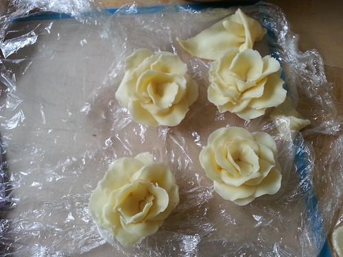 Roses for wedding cake