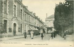 2366 R RICHELIEU. - Place du Marché (côté Sud) A.Delhomme, phot.-édit., Richelieu (I.-et L.)