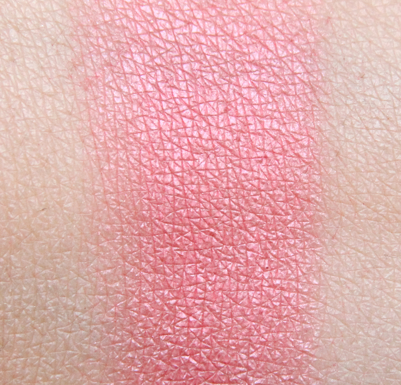 IsaDora Perfect peach Perfect powder blusher swatch