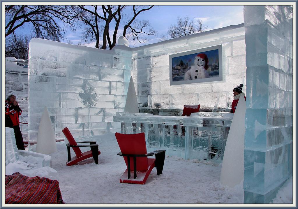 À lintérieur du palais de glace le bureau de bonhomme u2026 flickr