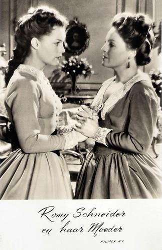 Romy Schneider and Magda Schneider in Sissi - Die junge Kaiserin (1956)