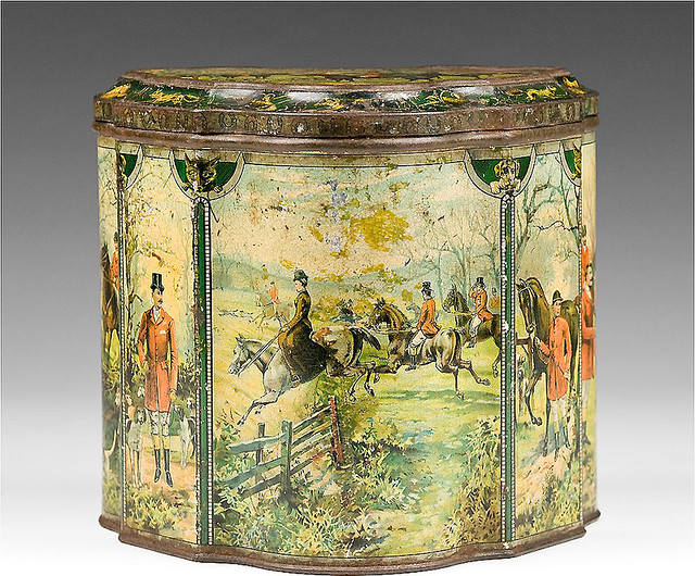 00b- Huntley & Palmers, Hunting Biscuit Tin, 1894 – 1895 via rubylane