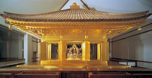 中尊寺金色堂 by Poran111