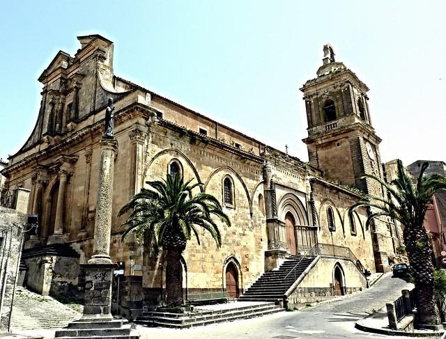 Vizzini (Ct) - La Chiesa Madre intitolata a San Gregorio Magno)