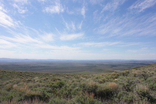 road blue sky mountain oregon day cloudy hiking lakes peak plush warner valley wetlands antelope hart refuge wsweekly34