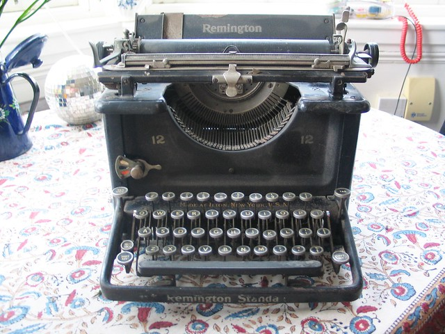 I am a typewriter. Please be my friend?