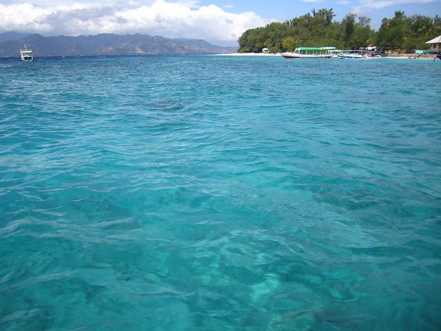 Чем ближе к Гили Мено, тем вода становится красивее
