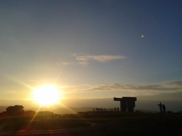 Se pone el sol en el Elogio del Horizonte
