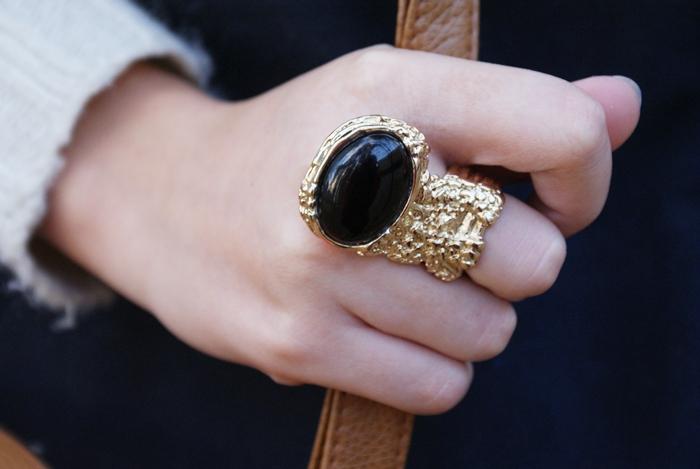 pierścionek ysl romwe