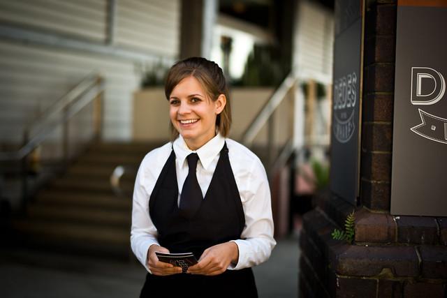 <<Happy Waitress>>