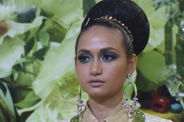 mac-indulge-makeup-demo