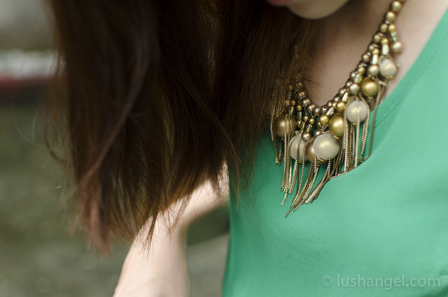 gold-statement-necklace