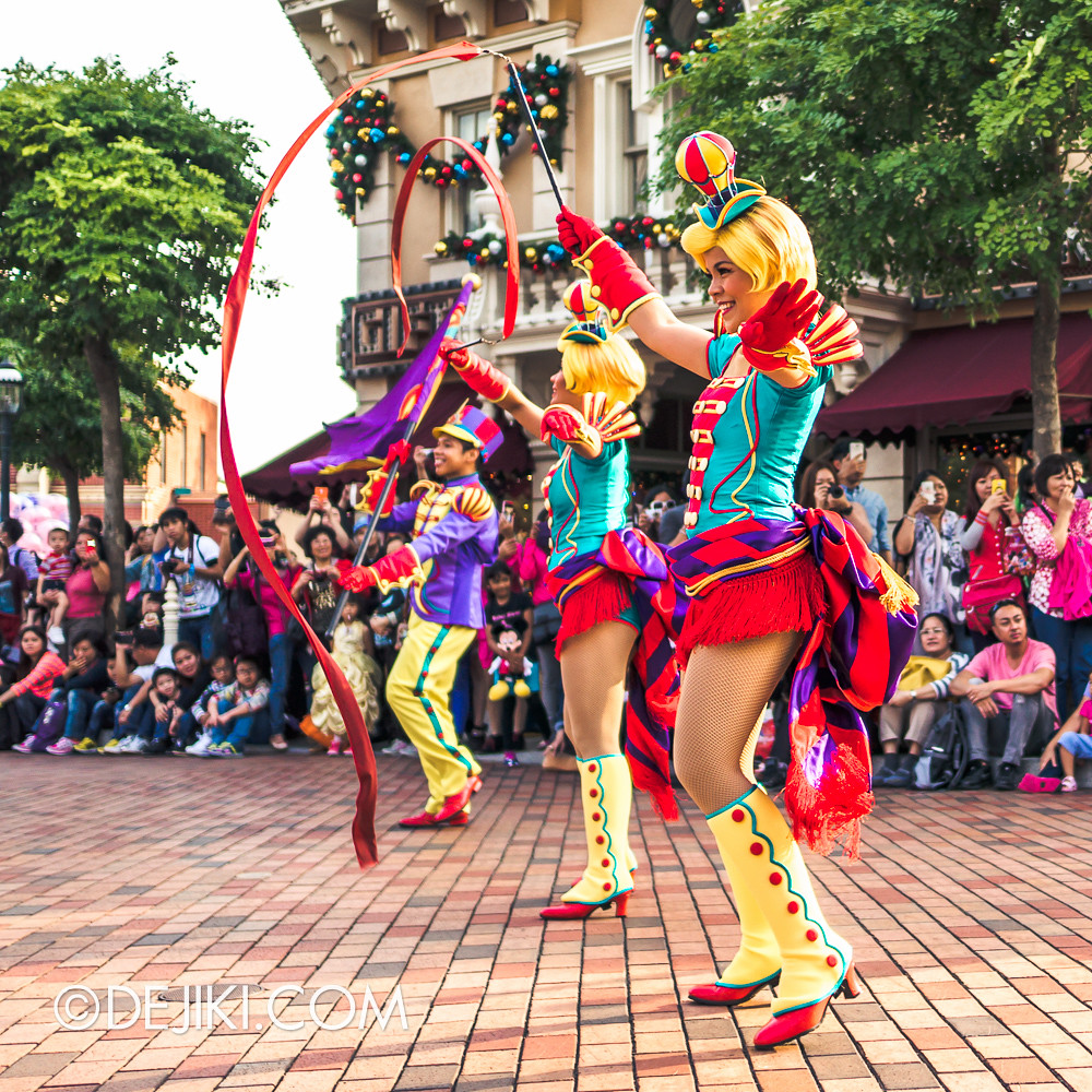 Flights of Fantasy - Airship Dancers 4