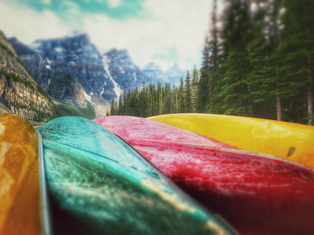 Four Colors (Banff, Canada. Gustavo Thomas © 2013)