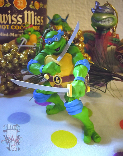 "AMERICAN GREETINGS :: TEENAGE MUTANT NINJA TURTLES - ""Leonardo"" Ornament iv (( 2013 ))"