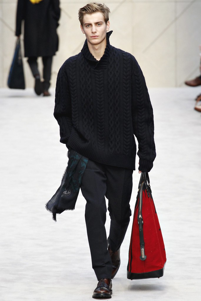 FW14 London Burberry Prorsum018_Ben Allen(VOGUE)
