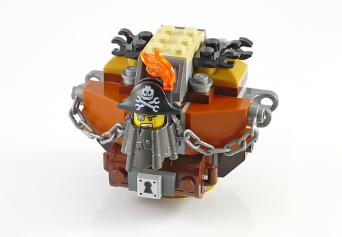 LEGO The Movie 70807 MetalBeard's Duel 13