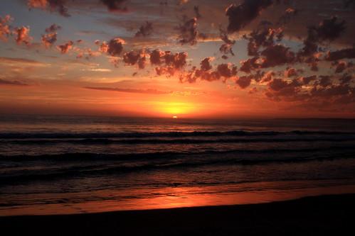 clouds sunrise canon landscape uruguay atardecer mar playa paisaje colores arena cielo nubes verano arenas naranja vacaciones oceano rocha oceanoatlantico playasur uruguaynatural canon1100d canonrebelt3 melillansilvera