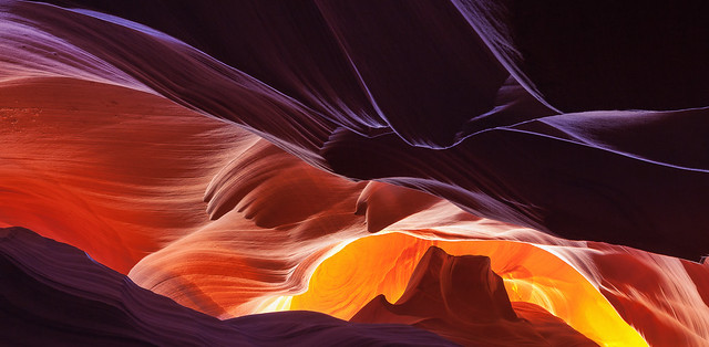A Curvy Light Gamut @ Antelope Canyon