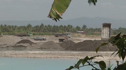 土壤底下埋了20公尺的爐石,環保局表示,目前地下水還沒有受到汙染。
