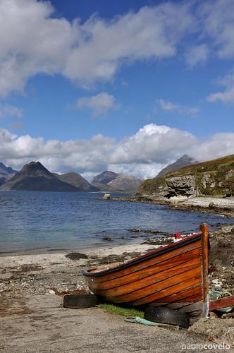 uk sea mountain seascape landscape puerto harbor scotland boat mar barco harbour tokina1224 paisaje escocia porto montaña cuillin elgol d90
