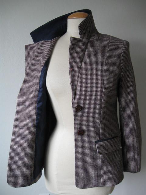 Saler jacket on form front3