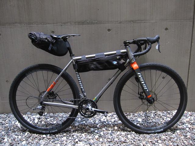 Tess Basic Seatpack 4