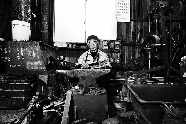 Ushitsu Kajiya (The Oku-Noto blacksmith)