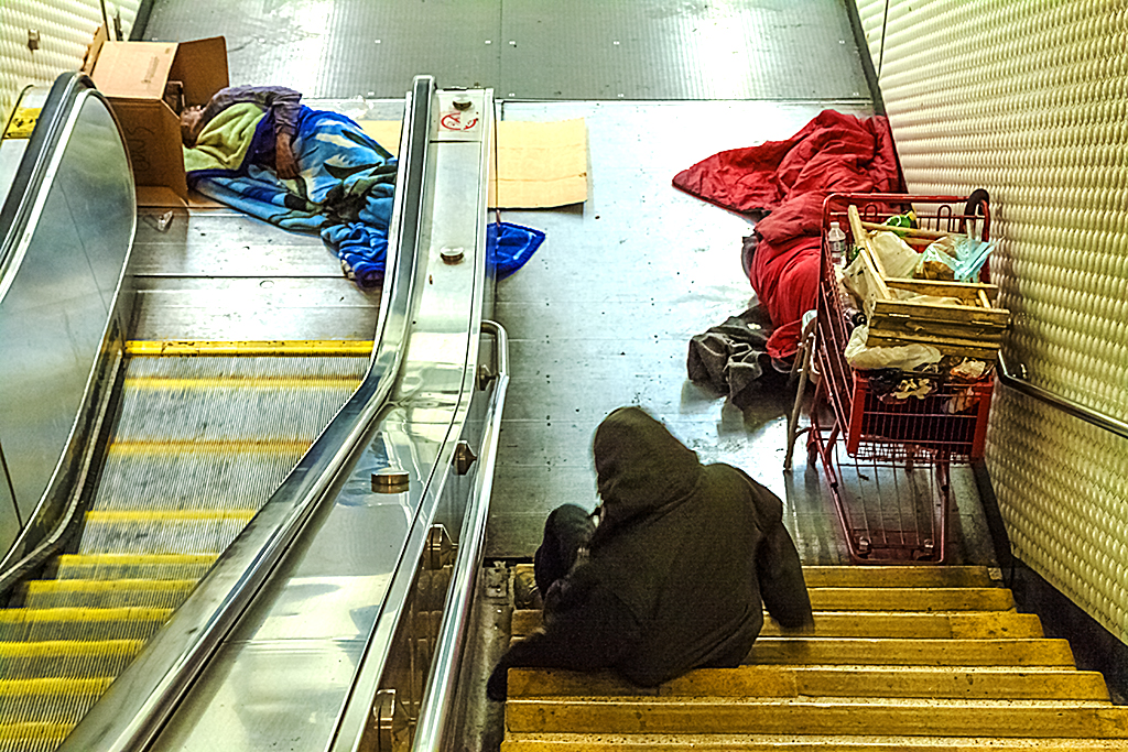 Homeless-inside-BART-station-in-3-13--San-Francisco-2