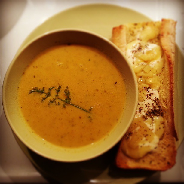 Carrot zucchini soup and garlic bread, mmm...