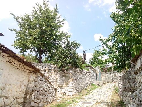 Leskovik, pietra secca... by Ylbert Durishti