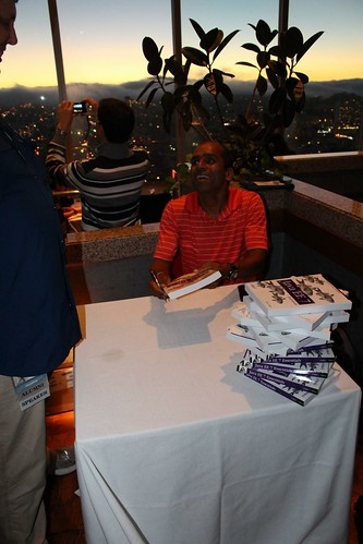 Arun Gupta signs his books at the JCP