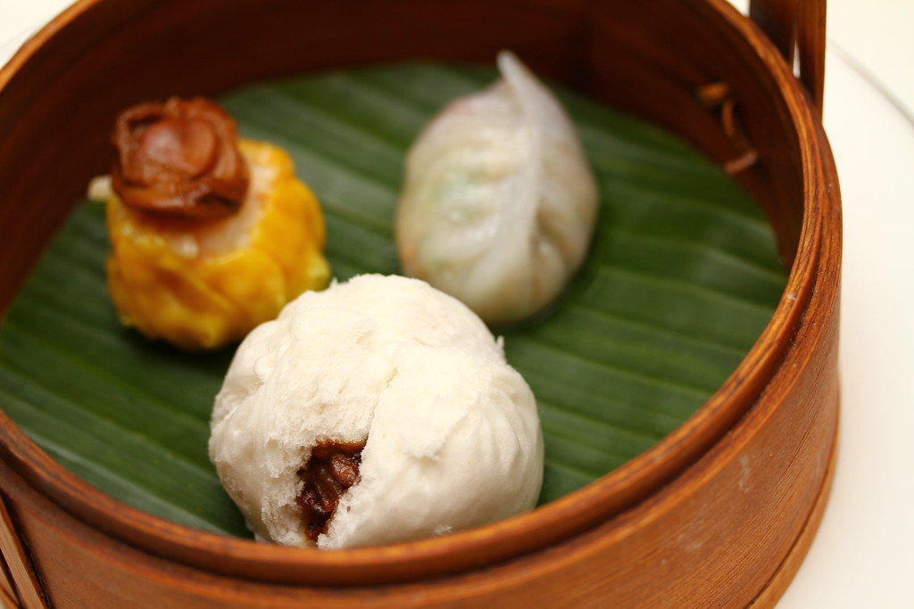 Dim Sum High Tea at Cassia, Capella Singapore: Steamed Barbecued US Kurobuta Pork Bun with Black Truffle (黑松露蚝皇克猪叉烧包)