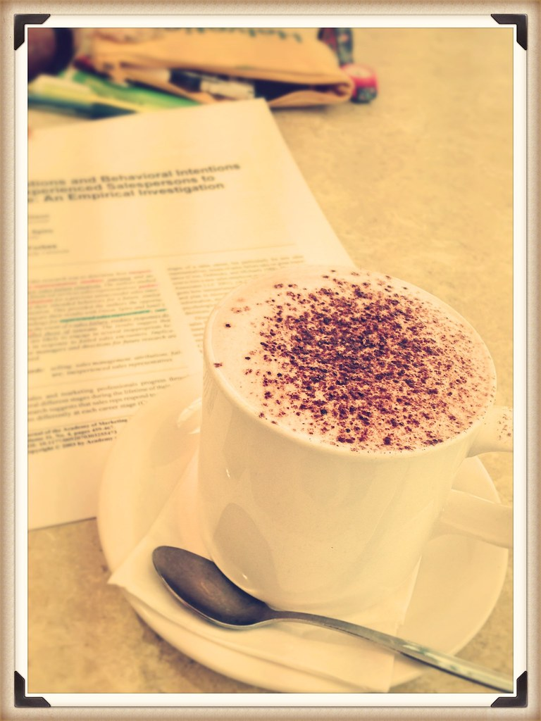 4-hour cafe time, meaning 4-hour reading time..