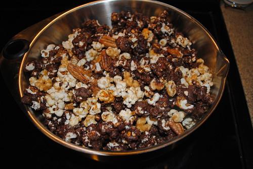 Chocolate Caramel Pecan Popcorn (4)