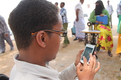 Somalis have been unable to use the internet on their mobile phones after Islamist group Al-Shabaab banned the biggest telecom company from providing services to its customers. Credit: Ahmed Osman/IPS