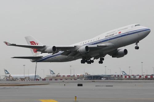 B744 - Boeing 747-4J6