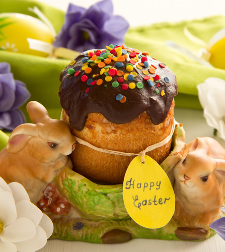 Easter rabbits and cake.