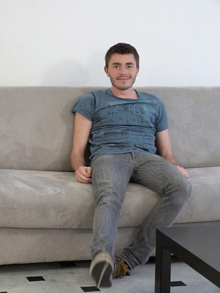 clem sur le canapé