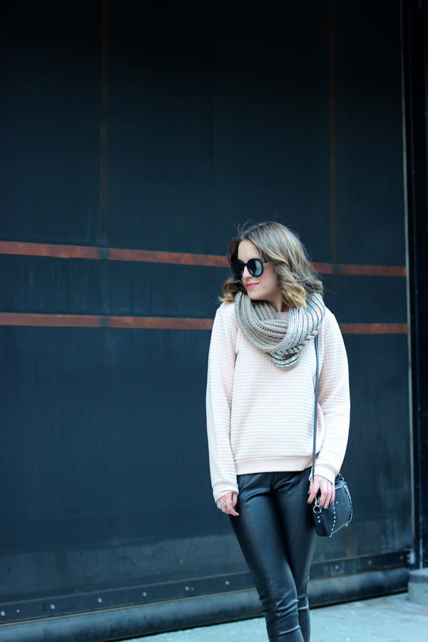 style tab, boston fashion blogger, winter sweatshirt