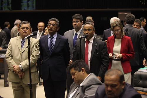 Guimarães novo líder do governo