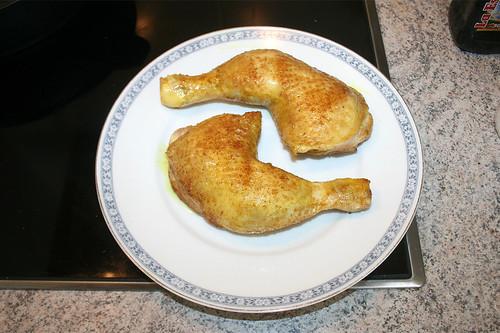 18 - Hähnchenschenkel entnehmen / Remove chicken legs