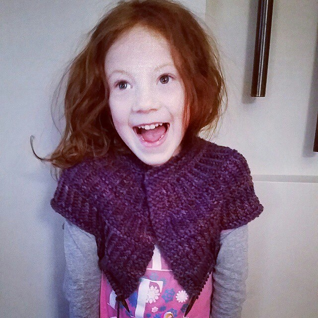 Trying her new sweater on for size. She seems to like it! 😄👍#knit #knitting #indiedyer #destinationyarn #yarn #handdyedyarn #knittersofinstagram #instaknit #sweater #Regrann from @destinationyarn