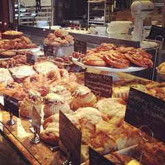 meal(0.0), charcuterie(0.0), city(0.0), public space(0.0), baking(1.0), market(1.0), bakery(1.0), food(1.0), pã¢tisserie(1.0), dessert(1.0), delicatessen(1.0), danish pastry(1.0),