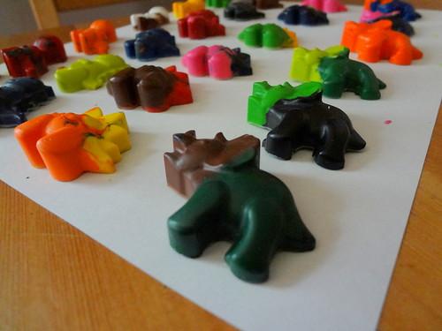 Dino Crayons 2