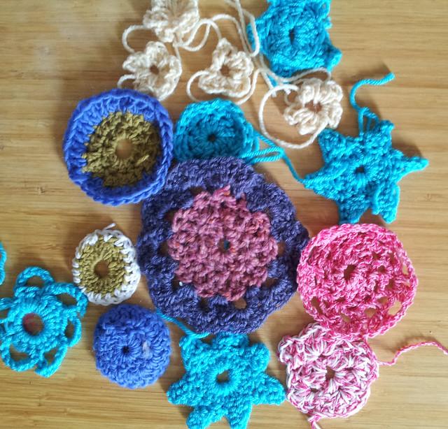 crochet-yarnbomb5