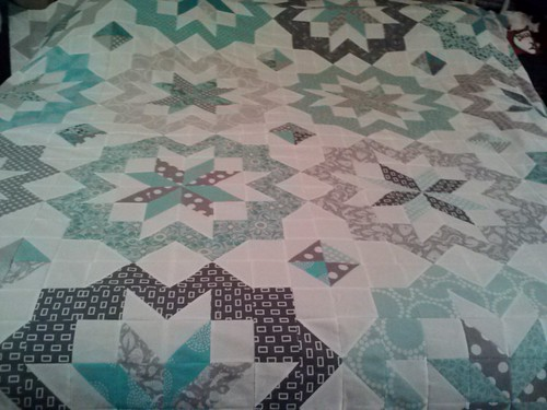 star surround quilt top pieced