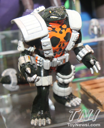 Nickelodeon's TEENAGE MUTANT NINJA TURTLES :: NEWTRALIZER; TOY FAIR pic  (( 2013 ))  [[ Courtesy of TNI  ]]